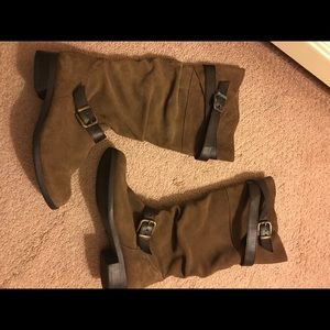 Suede brown boots size 7 with wrap around belts
